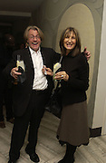 Mr. and Mrs. Frank Cohen. Cartier Dinner hosted by Arnaud Bamberger, Matthew Slotover and Amanda Sharp to celebrate the artist featured in Frieze projects 2005. Nobu Berkeley St..  London. 21 October 2005. ONE TIME USE ONLY - DO NOT ARCHIVE © Copyright Photograph by Dafydd Jones 66 Stockwell Park Rd. London SW9 0DA Tel 020 7733 0108 www.dafjones.com