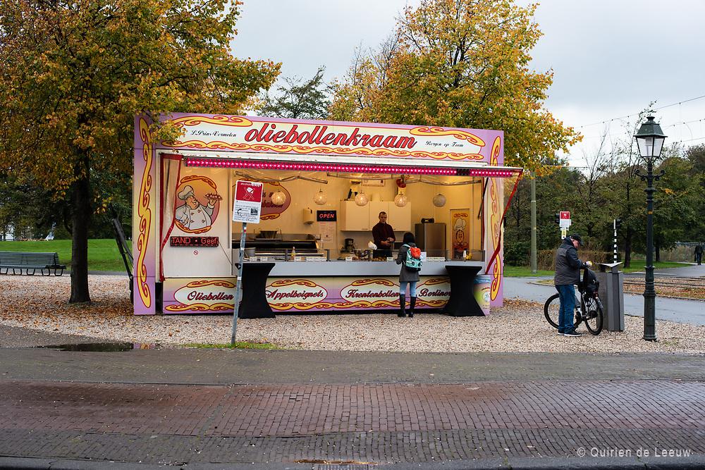 Oliebollenkraam op Korte Voorhout, Den Haag