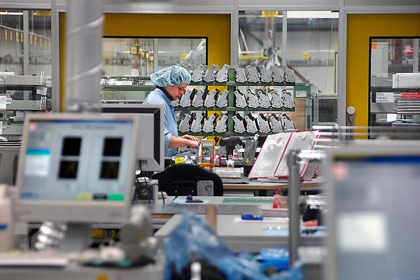 Nederland, Venlo, 2-1-2008Assemblage en ontwikkeling van printheads in een cleanroom van Océ van der Grinten, een fabriek, bedrijf waar kopieeermachines gemaakt worden.Foto: Flip Franssen/Hollandse Hoogte