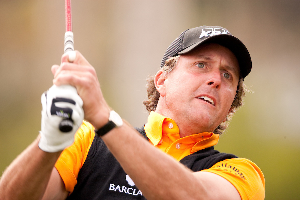 PACIFIC PALISADES, CA - FEBRUARY 21:  Phil Mickelson hits his shot during the third round of the 2009 Northern Trust Open at Riviera Country Club in Pacific Palisades, CA, California on Saturday, February 21, 2009. (Photograph by 2009 Darren Carroll)  *** Local Caption *** Phil Mickelson