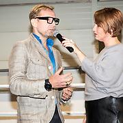 NLD/Rotterdam/20171117 - Opening TYR Boxing, Bernhard van Oranje Jr. verricht de opening met Marichelle de Jong