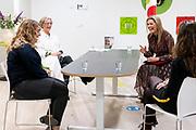 DRIEBERGEN, 29-10-2020<br /> <br /> Werkbezoek van Koningin Maxima Koningin op uitnodiging van de Landelijke Huisartsen Vereniging aan Gezondheidscentrum De Bosrand in Driebergen, waar drie huisartsenpraktijken gevestigd. Het bezoek staat in het teken van de bijzondere uitdagingen voor huisartsen en doktersassistenten in coronatijd, waaronder het veilig en efficiënt organiseren van de jaarlijkse griepvaccinatie.<br /> <br /> Working visit of Queen Maxima Queen at the invitation of the National General Practitioners Association to Health Center De Bosrand in Driebergen, where three GP practices are located. The visit focuses on the special challenges for GPs and doctor's assistants in corona time, including the safe and efficient organization of the annual flu vaccination.