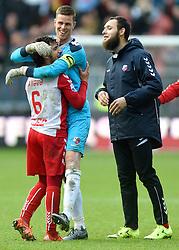 13-12-2015 NED: FC Utrecht - AFC Ajax, Utrecht<br /> Utrecht verslaat Ajax opnieuw in de Galgenwaard 1-0 / Yassin Ayoub #6 in de armen van Robbin Ruiter #1, Nacer Barazite #10