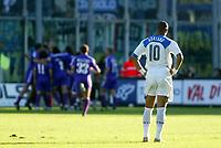 Firenze 07-11-2004<br />Campionato  Serie A Tim 2004-2005<br />Fiorentina Inter<br />nella  foto Adriano guarda la Fiorentina esultare<br />Foto Snapshot / Graffiti