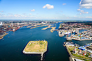 Nederland, Noord-Holland, IJmuiden, 01-08-2016; monding van het Noordzeekanaal met Fort Eiland (Stelling van Amsterdam). Sluizen en haven van IJmuiden.<br /> Mouth of the North sea canal.<br />  <br /> luchtfoto (toeslag op standard tarieven);<br /> aerial photo (additional fee required);<br /> copyright foto/photo Siebe Swart