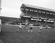 Offaly catches the ball mid during the All Ireland Senior Gaelic Football Final, Donegal v Offaly in Croke Park on 24 September 1972.