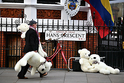 © Licensed to London News Pictures. 05/04/2019. London, UK. The scene outside the Ecuador Embassy in London where the Wikileaks founder Julian Assange has been living since 2012. It has be reported that Assange is due to be thrown out of the embassy. Swedish authorities recently dropped their investigation into rape allegations against Assange. Photo credit: Ben Cawthra/LNP