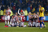 BILDET INNGÅR IKKE I FASTAVTALER<br /> <br /> Fotball<br /> Copa America<br /> Brasil v Paraguay<br /> Foto: imago/Digitalsport<br /> NORWAY ONLY<br /> <br /> Paraguay s players react during the penalty phase of a quarter-final match between Brazil and Paraguay in Concepcion, Chile, June 27, 2015. Paraguay defeated Brazil 4-3 on penalties after a 1-1 draw thus qualified to the semi-final round.