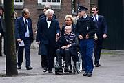 De koninklijke familie en tal van vrienden, bekenden en collega's van prins Friso zijn samengekomen in de Oude Kerk in Delft om de op 12 augustus overleden prins Friso te herdenken. <br /> <br /> The royal family and many friends, acquaintances and colleagues of Prince Friso are in the Old Church in Delft to commemorate the Prince who past away on August 12 2013.<br /> <br /> Op de foto / On the photo:  Ed van Thijn