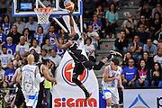 DESCRIZIONE : Campionato 2014/15 Dinamo Banco di Sardegna Sassari - Dolomiti Energia Aquila Trento Playoff Quarti di Finale Gara4<br /> GIOCATORE : Tony Mitchell<br /> CATEGORIA : Tiro Penetrazione Controcampo Equilibrio Fallo<br /> SQUADRA : Dolomiti Energia Aquila Trento <br /> EVENTO : LegaBasket Serie A Beko 2014/2015 Playoff Quarti di Finale Gara4<br /> GARA : Dinamo Banco di Sardegna Sassari - Dolomiti Energia Aquila Trento Gara4<br /> DATA : 24/05/2015<br /> SPORT : Pallacanestro <br /> AUTORE : Agenzia Ciamillo-Castoria/L.Canu