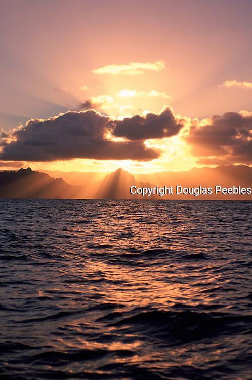 Sunset, Kaneohe Bay, Oahu, Hawaii, USA<br />