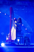 Bevrijdingsconcert - 5 mei-concert op de Amstel, Amsterdam. // Liberation Concert - 5 May concert on the Amstel<br /> <br /> Op de foto:    harpiste Lavinia Meijer