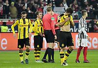 Fotball<br /> Tyskland<br /> Foto: Witters/Digitalsport<br /> NORWAY ONLY<br /> <br /> v.l. Gonzalo Castro, Mario Goetze, Sokratis Papastathopoulos (Dortmund)<br /> Frankfurt, 26.11.2016, Fussball, Bundesliga, Eintracht Frankfurt - Borussia Dortmund