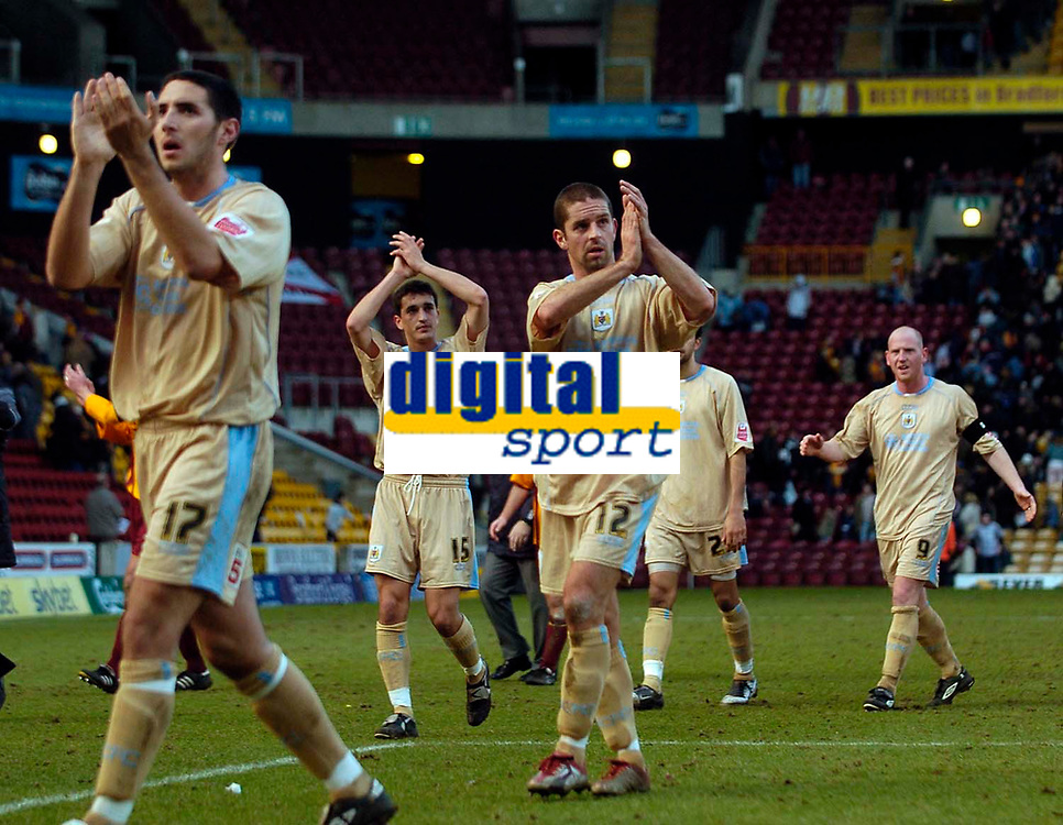 Photo: Jed Wee.<br />Bradford City v Bristol City. Coca Cola League 1. 18/02/2006.<br />Bristol players applaud their travelling support.