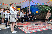 SOEST, 11-5-2021, Openluchttheater Cabrio<br /> <br /> Koningin Maxima in openluchttheater Cabrio in Soest de viering van nieuwe en bestaande afspraken voor structureel muziekonderwijs op basisscholen in Utrecht, Flevoland en Noord-Holland bijgewoond. Naar aanleiding van de campagne '50dagenmuziek' van Meer Muziek in de Klas presenteerden de provincies nieuwe initiatieven en muziekakkoorden om meer muziekonderwijs in het lesprogramma van de basisschool op te nemen. FOTO: Brunopress/POOL/Patrick van Emst<br /> <br /> Queen Maxima attended the celebration of new and existing agreements for structural music education in primary schools in Utrecht, Flevoland and Noord-Holland in open-air theater Cabrio in Soest. In response to the Meer Muziek in de Klas '50 Days of Music' campaign, the provinces presented new initiatives and music agreements to include more music education in the primary school curriculum.
