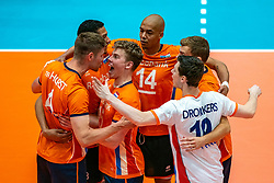 12-06-2019 NED: Golden League Netherlands - Estonia, Hoogeveen<br /> Fifth match poule B - The Netherlands win 3-0 from Estonia in the series of the group stage in the Golden European League / Thijs Ter Horst #4 of Netherlands, Gijs van Solkema #15 of Netherlands, Nimir Abdelaziz #14 of Netherlands