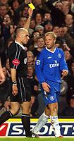 Fotball<br /> Premier League 2004/05<br /> Chelsea v Manchester City<br /> 6. februar 2005<br /> Foto: Digitalsport<br /> NORWAY ONLY<br /> Chelsea's Eidur Gudjohnsen is booked by referee Howard Webb