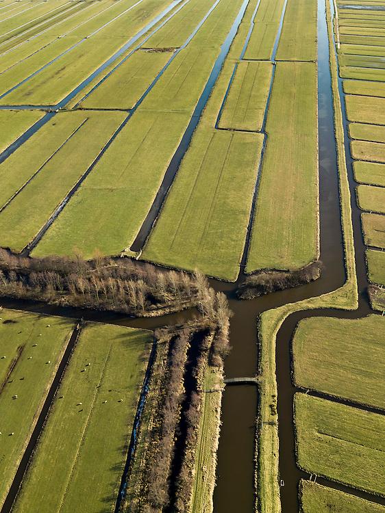 Nederland, Zuid-Holland, Gemeente Vlist, 20-02-2012; Krimpenerwaard met Polder Polsbroek en Polder.Vlist-Oostzijde. Kenmerkend voor de inrichting van de polder zijn de regelmatig gevormde ontginningsblokken, zogeheten cope-ontginningen..Krimpenerwaard with various polders. Characteristic for the 'design' of the polder are the regularly shaped reclamation blocks, known as cope reclamations. .luchtfoto (toeslag), aerial photo (additional fee required);.copyright foto/photo Siebe Swart.