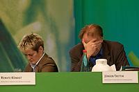 28 NOV 2003, DRESDEN/GERMANY:<br /> Renate Kuenast (L), B90/Gruene, Bundesverbraucherschutzministerin, und Juergen Trittin (R), B90/Gruene, Bundesumweltminister, 22. Ordentliche Bundesdelegiertenkonferenz Buendnis 90 / Die Gruenen, Messe Dresden<br /> IMAGE: 20031128-01-109<br /> KEYWORDS: Bündnis 90 / Die Grünen, BDK, Gespräch, Jürgen Trittin, Renate Künast<br /> Parteitag, party congress, Bundesparteitag