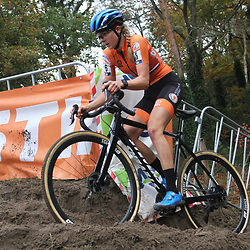 08-11-2020: Wielrennen: EK Veldrijden: Rosmalen: Aniek van Alphen