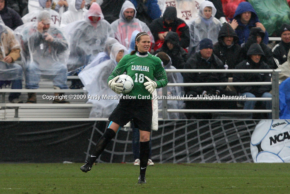 06 December 2009: North Carolina's Ashlyn Harris. The University of North Carolina Tar Heels defeated the Stanford University Cardinal 1-0 at Aggie Soccer Stadium in College Station, Texas in the NCAA Division I Women's College Cup Championship game.