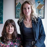Nederland, Amsterdam, 23 mei 2016.<br /> Reisboekenschrijfsters Iris Hannema en Carolijn Visser<br /> <br /> <br /> <br /> Foto: Jean-Pierre Jans