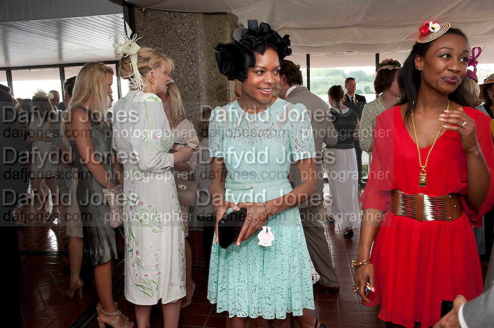 COURTNEY LOVE;  NAOMI HARRIS;  BEVERLEY KNIGHT,  IN THE DUKE OF RICHMOND BOX, Glorious Goodwood. Ladies Day. 28 July 2011. <br /> <br />  , -DO NOT ARCHIVE-© Copyright Photograph by Dafydd Jones. 248 Clapham Rd. London SW9 0PZ. Tel 0207 820 0771. www.dafjones.com.