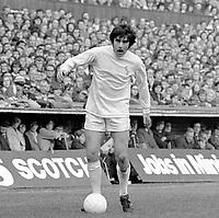 Peter Lorimer - Leeds United. Coventry City v Leeds United 9/10/71. Credit: Colorsport.