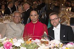 Muhammad Yunus, Alice Bah Kunhke , Carlos Moedas <br /> <br />  <br /> <br />  beim Nobelbankett 2016 im Rathaus in Stockholm / 101216 <br /> <br /> <br /> <br /> ***The Nobel banquet, Stockholm City Hall, December 10th, 2016***