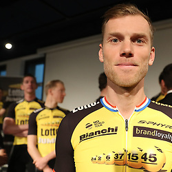 22-12-2016: Wielrennen: Presentatie Lotto Jumbo: Rijswijk   <br />  Lars Boom liet bij de ploegpresentatie van Lotto-Jumbo doorschemeren met ambities het nieuwe seizoen in te gaan. Het veldrijden moet hem daarbij helpen.<br /> Boom is blij met de terugkeer in Nederlandse dienst na een uitstapje naar Astana.