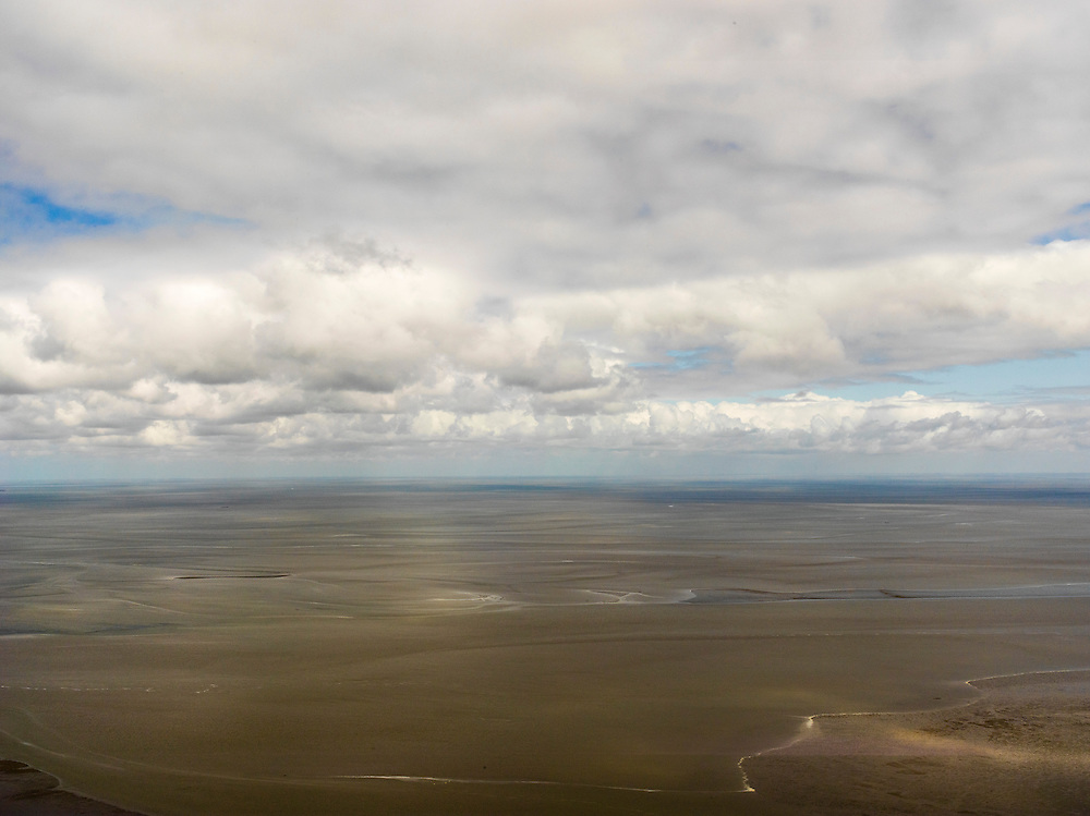 Nederland, Noord-Holland, Gemeente Den Helder, 16-04-2012. Balgzand, Wad en Waddenzee ten oosten van Den Helder.Wadden sea, North-Holland, east of Den helder.luchtfoto (toeslag), aerial photo (additional fee required);.copyright foto/photo Siebe Swart