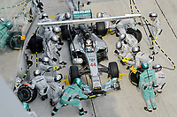 MOTORSPORT - F1 2014 - GRAND PRIX OF MALAYSIA  - SEPANG (MAL) - 28 TO 30/03/2014 - <br /> 44 HAMILTON LEWIS (GBR) - MERCEDES GP MGP W05 - ACTION<br /> CHANGEMENT DE PNEUS - TIRES CHANGE