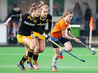 BLOEMENDAAL - hockey - Competitie Landelijk meisjes : Bloemendaal MB1-Den Bosch MB1 (1-1). Charlotte van Oirschot van Bloemendaal. COPYRIGHT KOEN SUYK