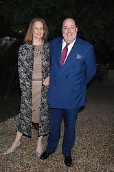 The HON.NICHOLAS SOAMES MP and his wife SERENA at the annual Cartier Chelsea Flower Show dinner held at the Chelsea Physic Garden on 21st May 2007.<br /><br />NON EXCLUSIVE - WORLD RIGHTS