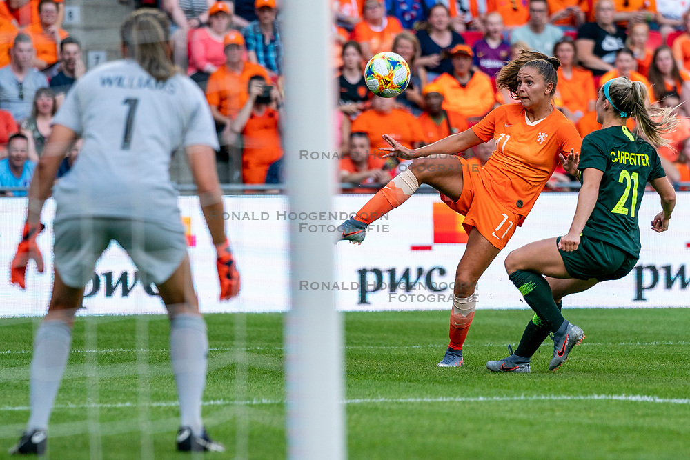 01-06-2019 NED: Netherlands - Australia, Eindhoven<br /> <br /> Friendly match in Philips stadion Eindhoven. Netherlands win 3-0 / Lieke Martens #11 of The Netherlands, Ellie Carpenter #21 of Australia