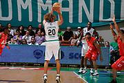 DESCRIZIONE : Siena Lega A 2008-09 Playoff Finale Gara 2 Montepaschi Siena Armani Jeans Milano<br /> GIOCATORE : Shaun Stonerook<br /> SQUADRA : Montepaschi Siena<br /> EVENTO : Campionato Lega A 2008-2009 <br /> GARA : Montepaschi Siena Armani Jeans Milano<br /> DATA : 12/06/2009<br /> CATEGORIA : three points <br /> SPORT : Pallacanestro <br /> AUTORE : Agenzia Ciamillo-Castoria/G.Ciamillo