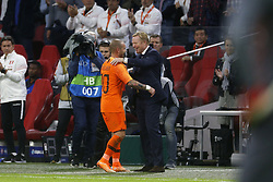 (L-R), Wesley Sneijder of Holland, coach Ronald Koeman of Holland during the International friendly match match between The Netherlands and Peru at the Johan Cruijff Arena on September 06, 2018 in Amsterdam, The Netherlands