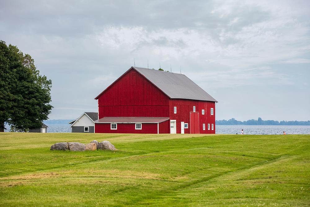 https://Duncan.co/red-barn-on-the-edge-of-lake-ontario
