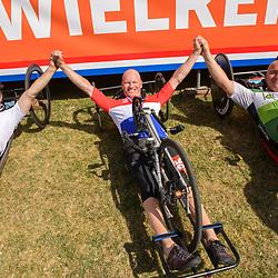 18-06-2017: Wielrennen: NK Paracycling: Montferland<br /> s-Heerenberg (NED) wielrennen Podium mannen H3, Mischa Hielkema, Mark Mekenkamp en Edward Malouf