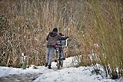 Nederland, Ubbergen, 11-12-2017Vanwege het winterse weer en omdat er snel geen bussen meer rijden gaat deze school, havo, notre dame eerder uit en krijgen de leerlingen vrij, sneeuwvrij, ijsvrij.. Foto: Flip Franssen