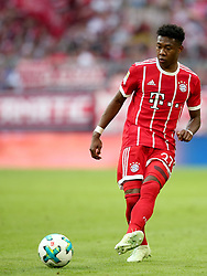 14.04.2018, Allianz Arena, Muenchen, GER, 1. FBL, FC Bayern Muenchen vs Borussia Moenchengladbach, 30. Runde, im Bild David Alaba (FC Bayern Muenchen #27) // during the German Bundesliga 30th round match between FC Bayern Munich and Borussia Moenchengladbach at the Allianz Arena in Muenchen, Germany on 2018/04/14. EXPA Pictures © 2018, PhotoCredit: EXPA/ Eibner-Pressefoto/ Langer<br /> <br /> *****ATTENTION - OUT of GER*****
