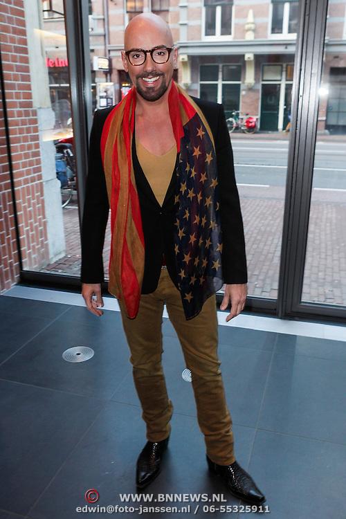 NLD/Amsterdam/20120420 - Show Joan Collins, stylist Maik de Boer