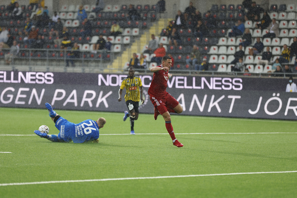 GOTHENBURG, SWEDEN - JULY 29: Christian Ramirez is rushed by Peter Abrahamsson who saves during the UEFA Europa Conference League Qualifying match 2nd leg between BK Hacken and Aberdeen FC at Bravida Arena on July 29, 2021 in Gothenburg, Sweden.<br /> (Photo by Derek Ironside/Newsline Media)