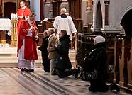W białostockiej Katedrze we mszy świętej w Niedzielę Palmową uczestniczyło ponad 20 wiernych
