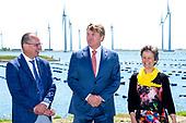 Koning Willem-Alexander opent Windpark Krammer