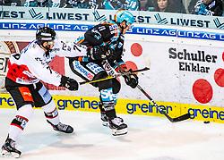 12.11.2019, Keine Sorgen Eisarena, Linz, AUT, EBEL, EHC Liwest Black Wings Linz vs HC Orli Znojmo, 19. Runde, im Bild v.l. Parker Bowles (HC Orli Znojmo), Mario Altmann (EHC Liwest Black Wings Linz) // during the Erste Bank Eishockey League 19th round match between EHC Liwest Black Wings Linz and HC Orli Znojmo at the Keine Sorgen Eisarena in Linz, Austria on 2019/11/12. EXPA Pictures © 2019, PhotoCredit: EXPA/ Reinhard Eisenbauer