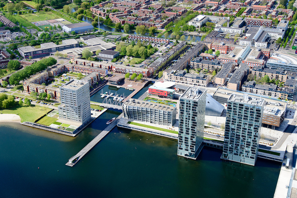 Nederland, Flevoland, Almere, 07-05-2015;  Stadshart Amere, met Weerwater<br /> <br /> City entre of the new town Almere.<br /> luchtfoto (toeslag op standard tarieven);<br /> aerial photo (additional fee required);<br /> copyright foto/photo Siebe Swart