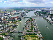Nederland, Zuid-Holland, Rotterdam, 14-05-2020; Nieuwe Maas met Noordereiland, Koningshaven met Koningshavenbrug De Hef. Gezien naar de Erasmusbrug en Kop van Zuid. <br /> Nieuwe Maas with Noordereiland, Koningshaven with Koningshavenbrug De Hef. In the direction of the Erasmus Bridge.<br /> <br /> luchtfoto (toeslag op standard tarieven);<br /> aerial photo (additional fee required)<br /> copyright © 2020 foto/photo Siebe Swart