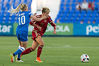 Finland's Emmi Alanen and Spain's Amanda Sampedro during the match of  European Women's Championship 2017 at Leganes, between Spain and Finland. September 20, 2016. (ALTERPHOTOS/Rodrigo Jimenez)