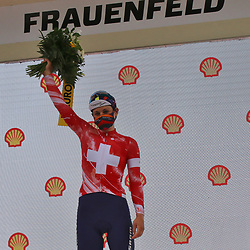 Tour de Suisse stage 1 <br /> In de eerste etappe van de Tour de Suisse voor vrouwen heersten de Zwitserse rensters met drie afgevaardigden in een kopgroep van vijf.<br /> Elise Chabby (Canyon-Sram) versloeg Lizzie Deignan. Ook Jolanda Neff (Swiss Cycling) en Marlen Reusser (Alé BTC Ljubljana) waren voorin vertegenwoordigd.